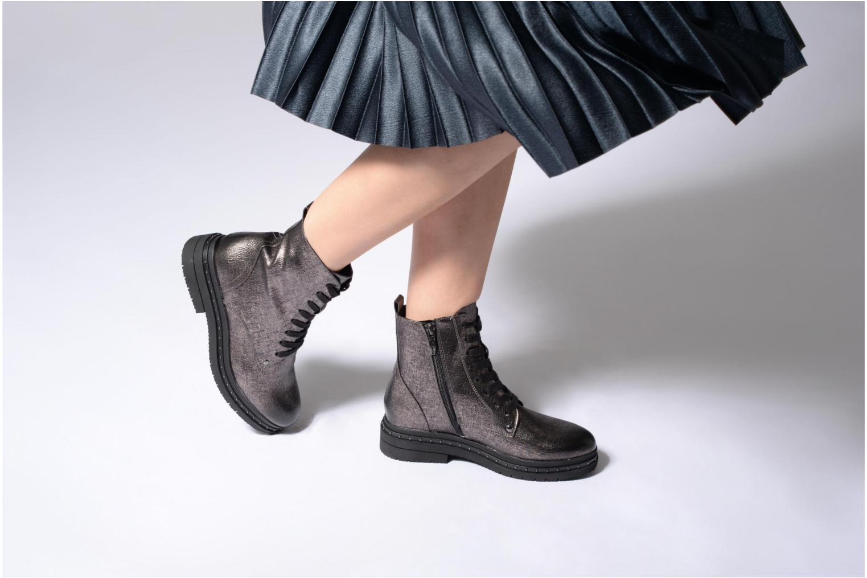 Bottines et boots Tamaris Ella Argent vue bas / vue portée sac