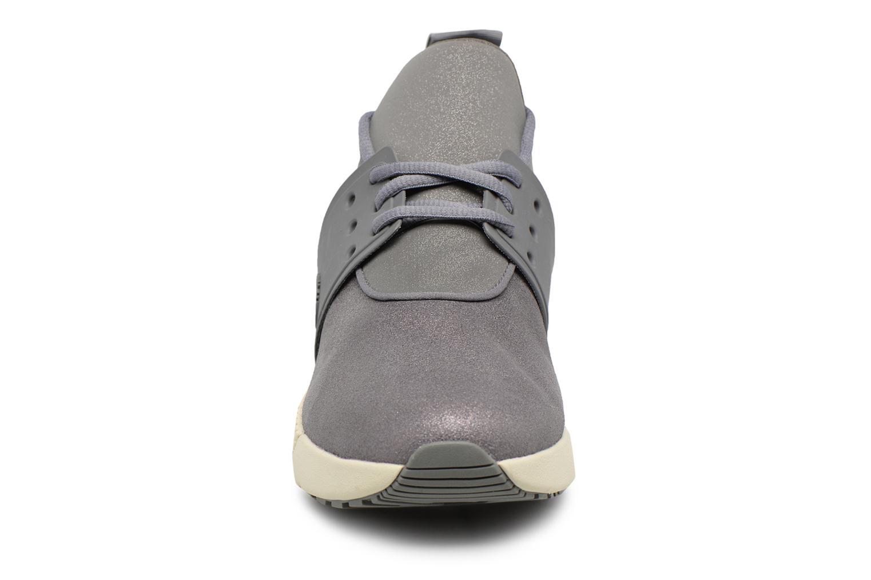 Sneaker Timberland Kiri Fly Chukka grau schuhe getragen