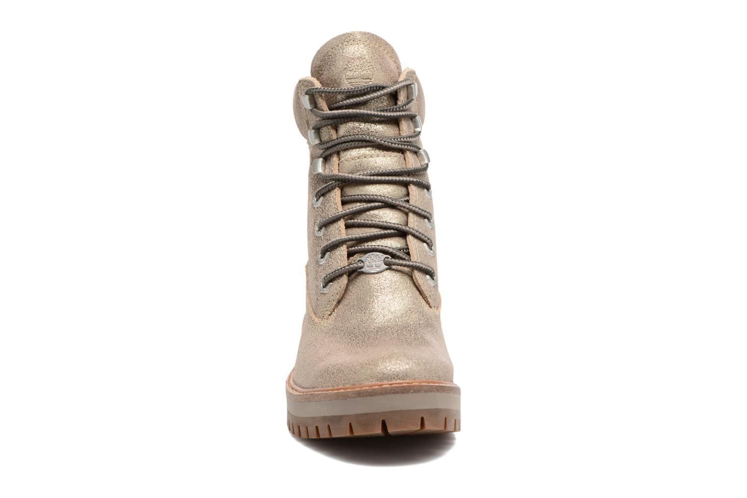 Botines  Timberland Courmayeur Valley Yellow Boot Oro y bronce vista del modelo