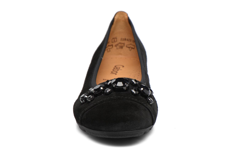 Ballerines Gabor Milana Noir vue portées chaussures