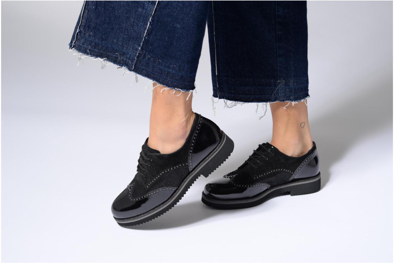 Chaussures à lacets Gabor Sara Noir vue bas / vue portée sac