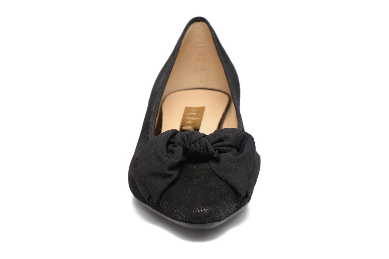 Ballerinaer Gabor Mayana Sort se skoene på