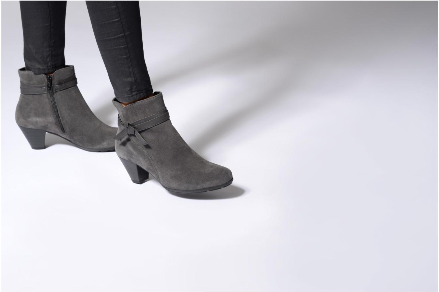 Ankle boots Gabor Anika Grey view from underneath / model view