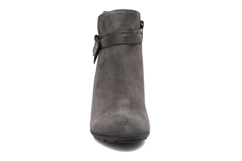 Bottines et boots Gabor Anika Gris vue portées chaussures