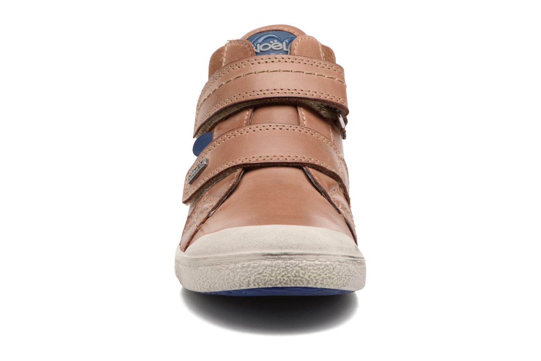 Baskets Noël Yuan ST Marron vue portées chaussures