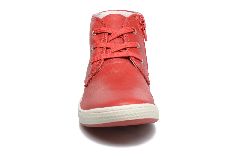 Baskets Pataugas JIL Rouge vue portées chaussures