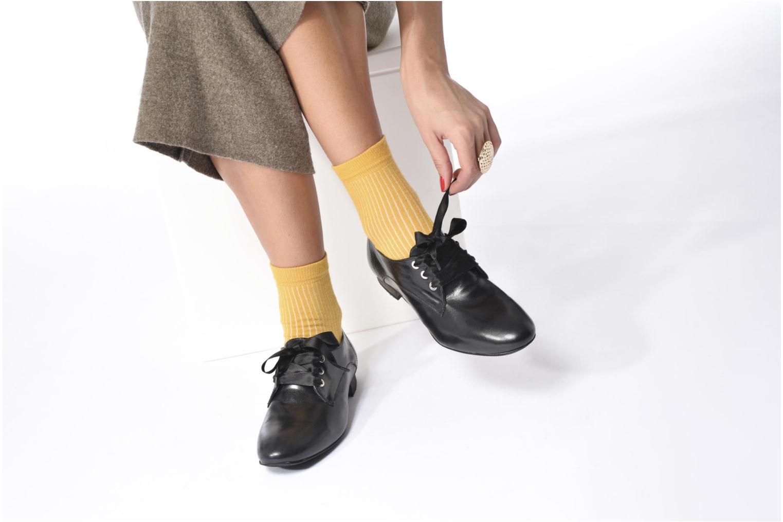 Chaussures à lacets Georgia Rose Lisy Noir vue bas / vue portée sac