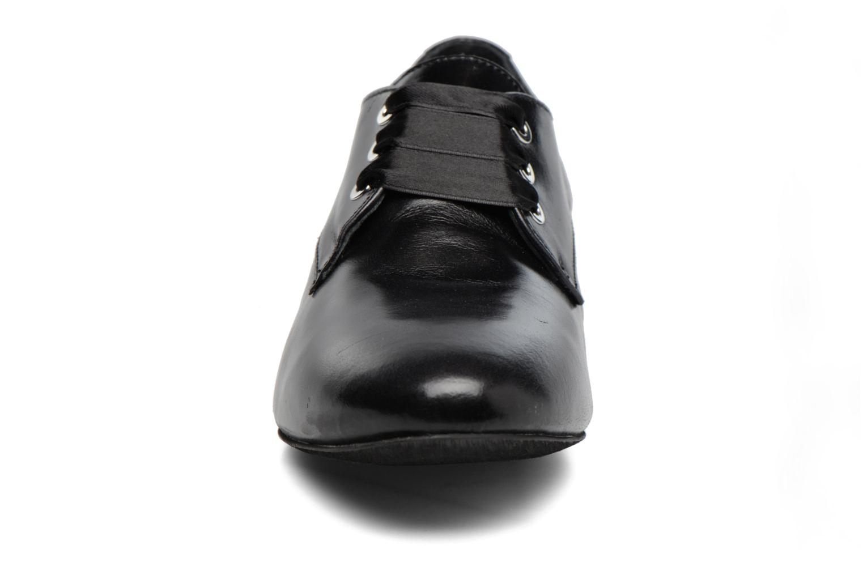 Chaussures à lacets Georgia Rose Lisy Noir vue portées chaussures