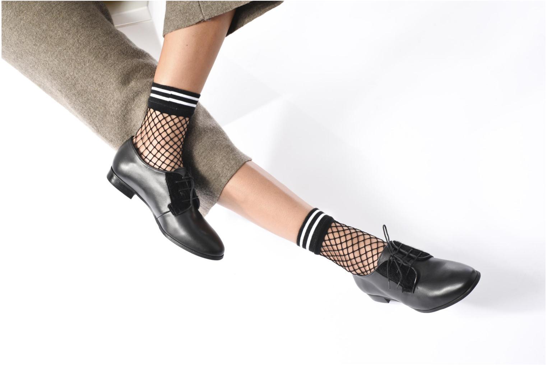 Zapatos con cordones Georgia Rose Lapra Negro vista de abajo