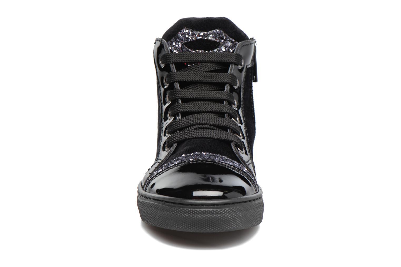 Baskets Melania TRONCHETTO LACCI Noir vue portées chaussures