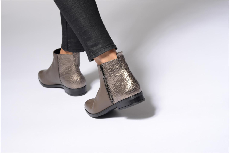 Stiefeletten & Boots Georgia Rose Olimpe braun ansicht von unten / tasche getragen