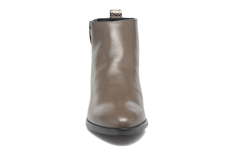Stiefeletten & Boots Georgia Rose Olimpe braun schuhe getragen