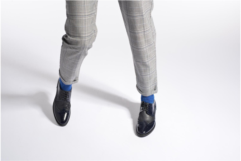 Chaussures à lacets Georgia Rose Nirvane Noir vue bas / vue portée sac