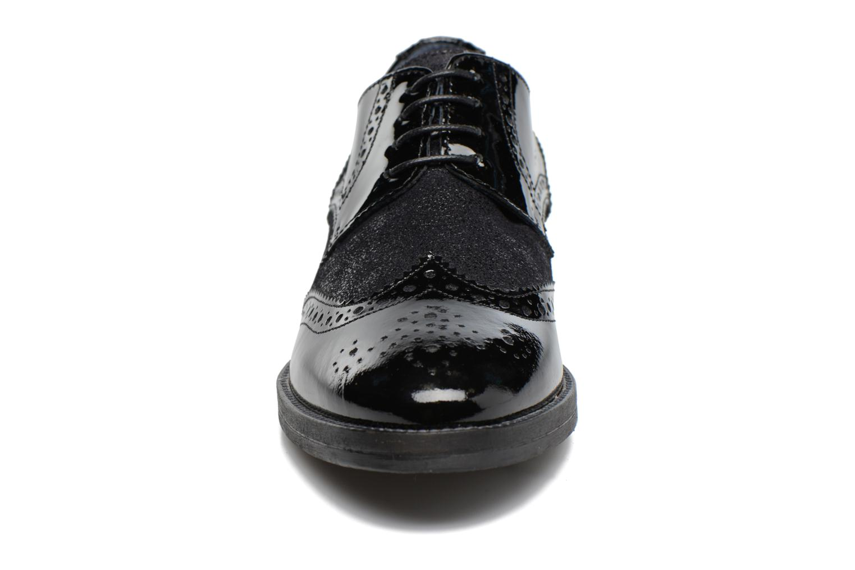 Zapatos con cordones Georgia Rose Nirvane Negro vista del modelo
