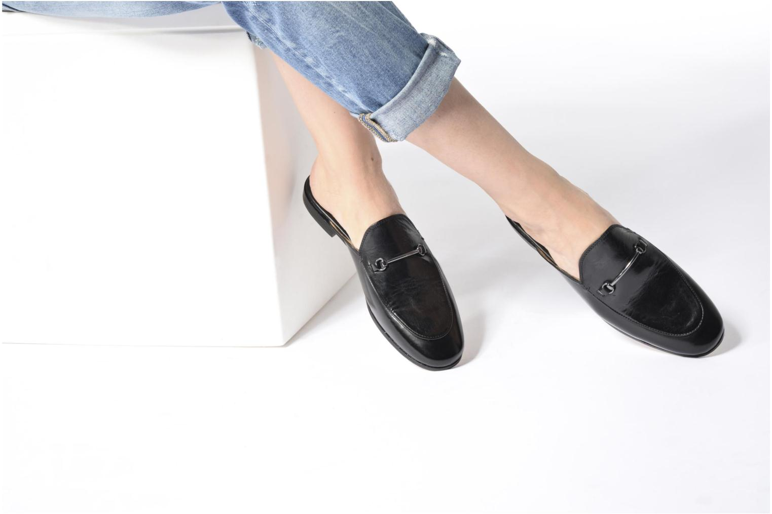Loafers Melvin & Hamilton Scarlett 4 Black view from underneath / model view