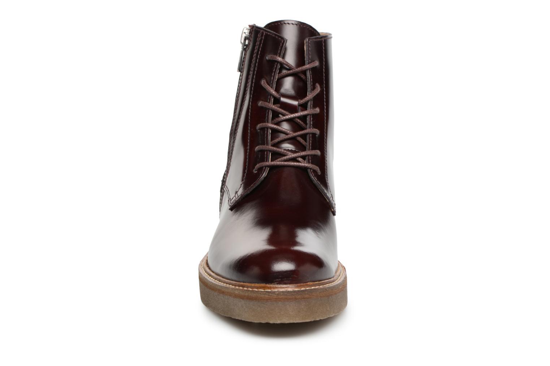 Boots Kickers OXFOTO Vinröd bild av skorna på