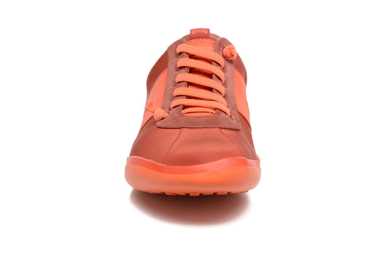 Baskets Camper Peu Slastic 18877 Rouge vue portées chaussures