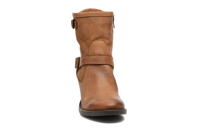 Bottines et boots Georgia Rose Malicia Marron vue portées chaussures