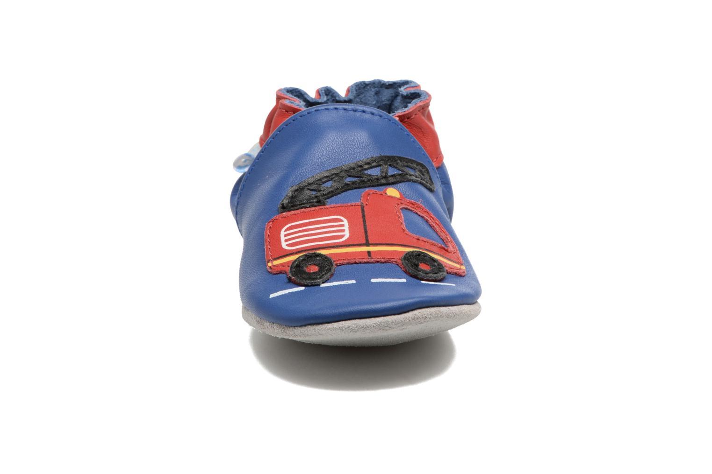 Chaussons Robeez Firetruck Bleu vue portées chaussures