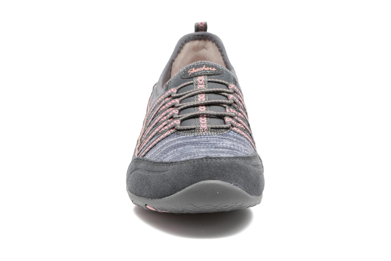 Baskets Skechers Unity Eternal Bliss Gris vue portées chaussures