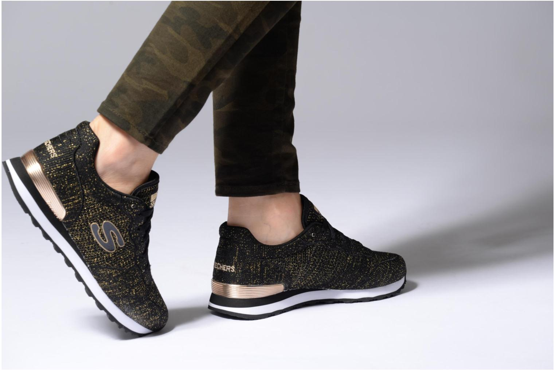 Sneaker Skechers OG 85 Low Flyers grau ansicht von unten / tasche getragen