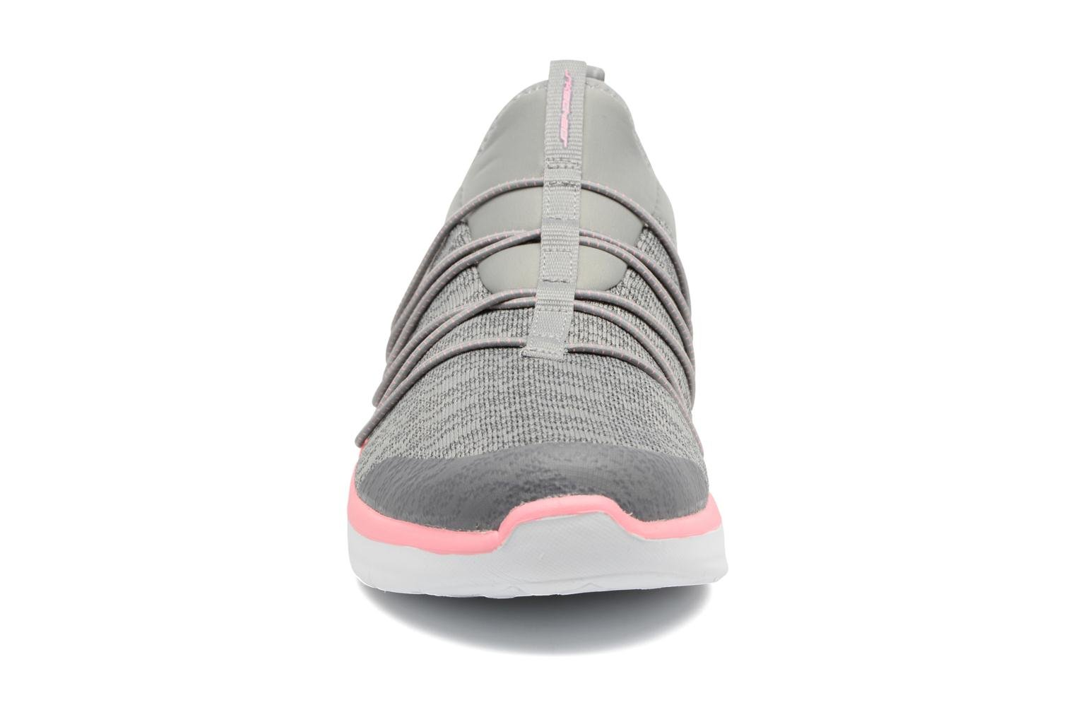 Sport shoes Skechers Synergy 2,0 Simply Chic Grey model view