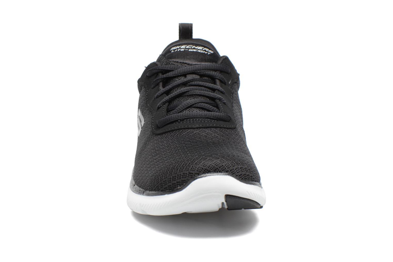 Chaussures de sport Skechers Flex Appeal 2.0 Newsmaker Noir vue portées chaussures