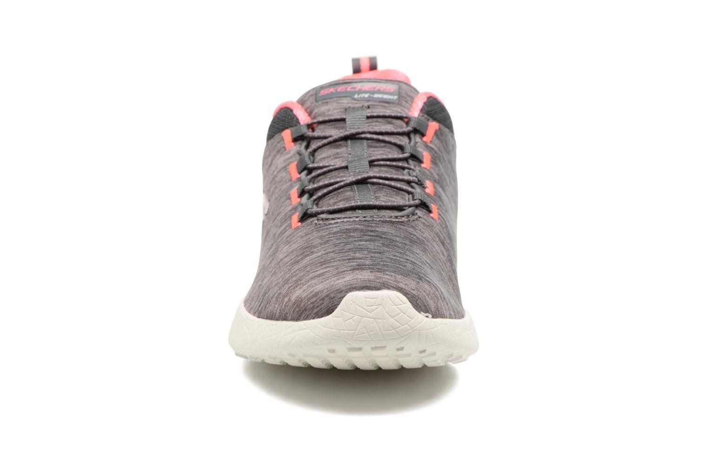 Baskets Skechers Burst Equinox W Gris vue portées chaussures