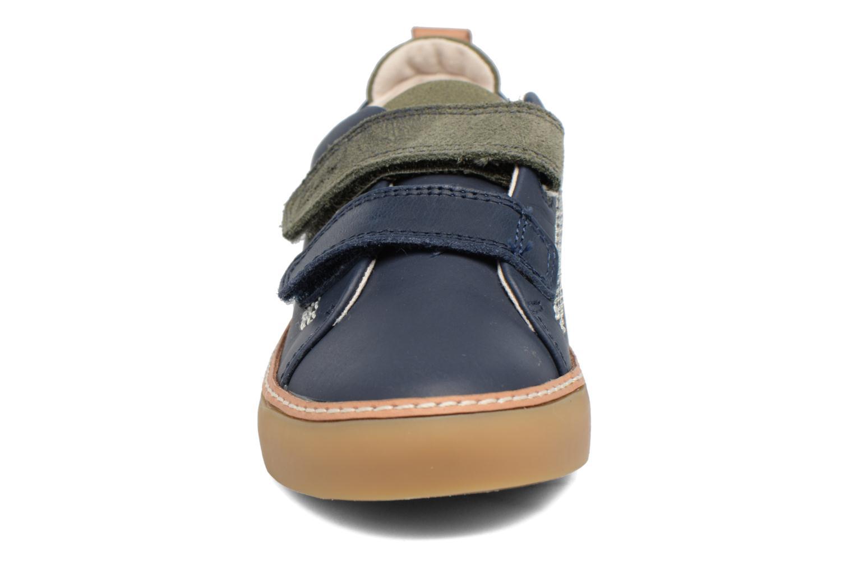 Baskets Clarks Brill Toy Inf Bleu vue portées chaussures