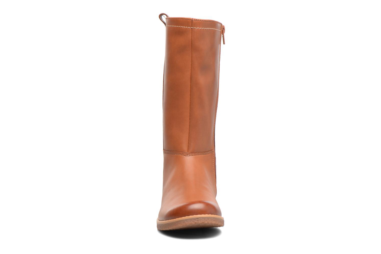 Bottes Clarks Tildy Grace Marron vue portées chaussures