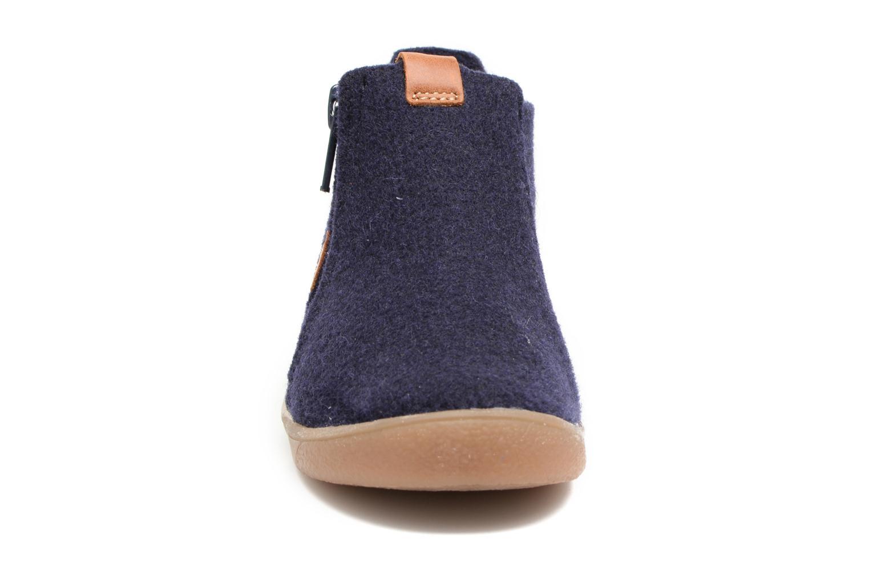 Chaussons Babybotte Maxime Bleu vue portées chaussures