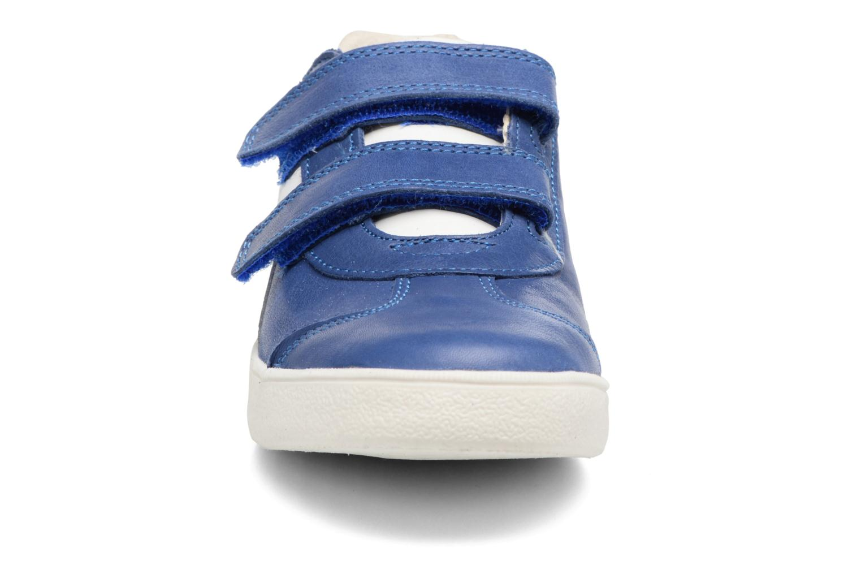 Baskets Babybotte B4 Velcro Bleu vue portées chaussures