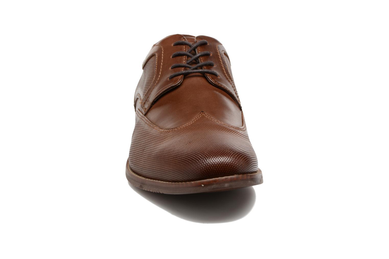 Chaussures à lacets Rockport SP Perf Wingtip Marron vue portées chaussures