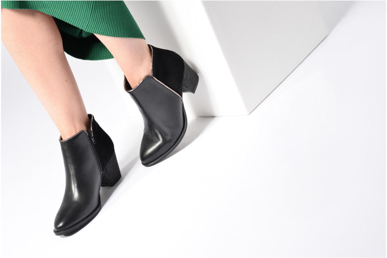 Stiefeletten & Boots Georgia Rose Catalon weinrot ansicht von unten / tasche getragen