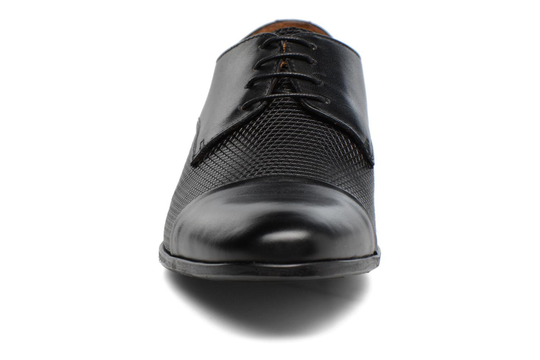 Scarpe con lacci Marvin&Co Nutley Nero modello indossato