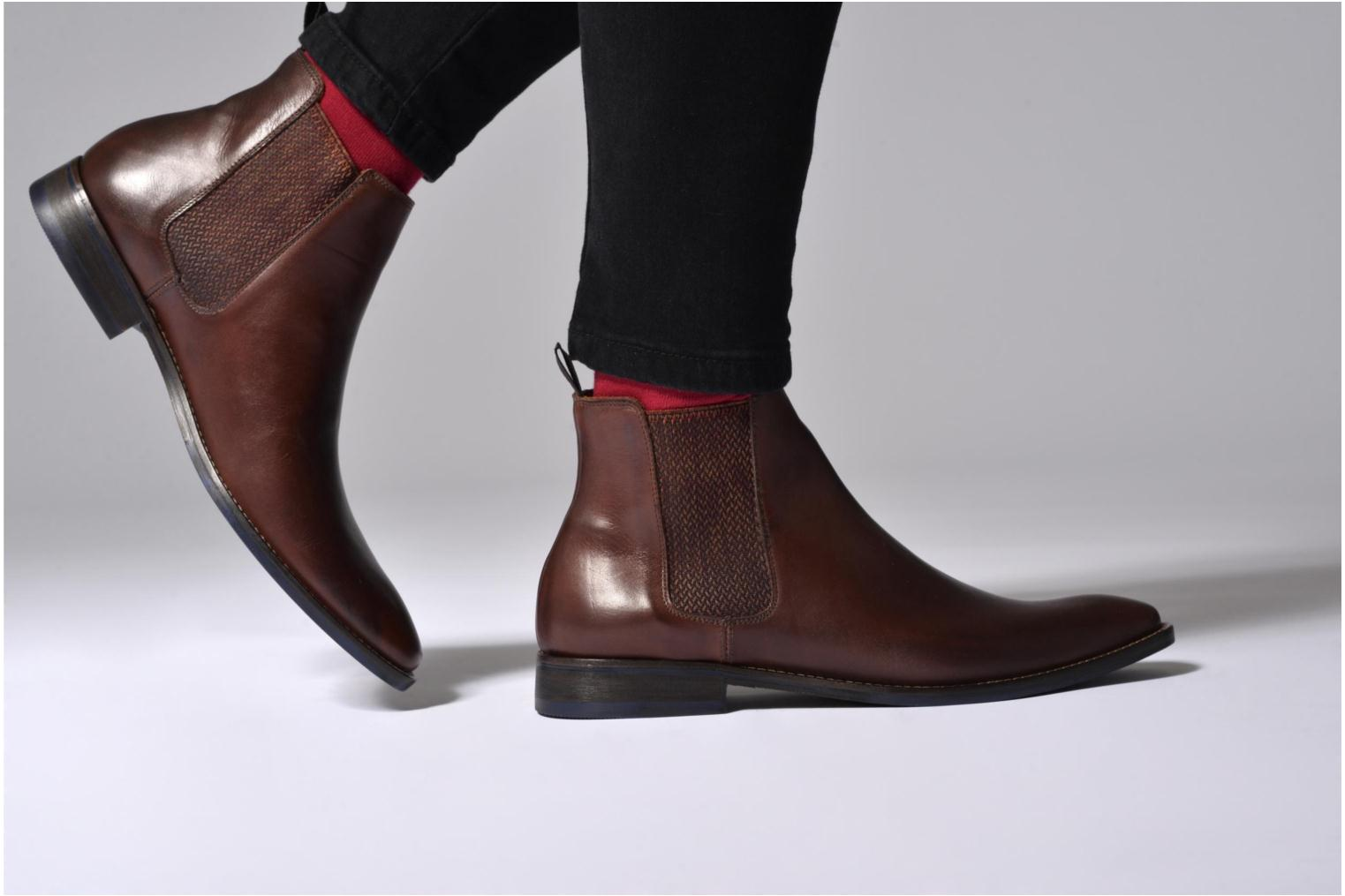 Ankle boots Marvin&co Newgale Brown view from underneath / model view
