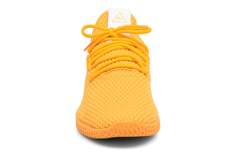 Baskets Adidas Originals Pharrell Williams Tennis Hu Jaune vue portées chaussures