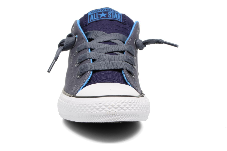 Baskets Converse Chuck Taylor All Star Street Holiday Bleu vue portées chaussures