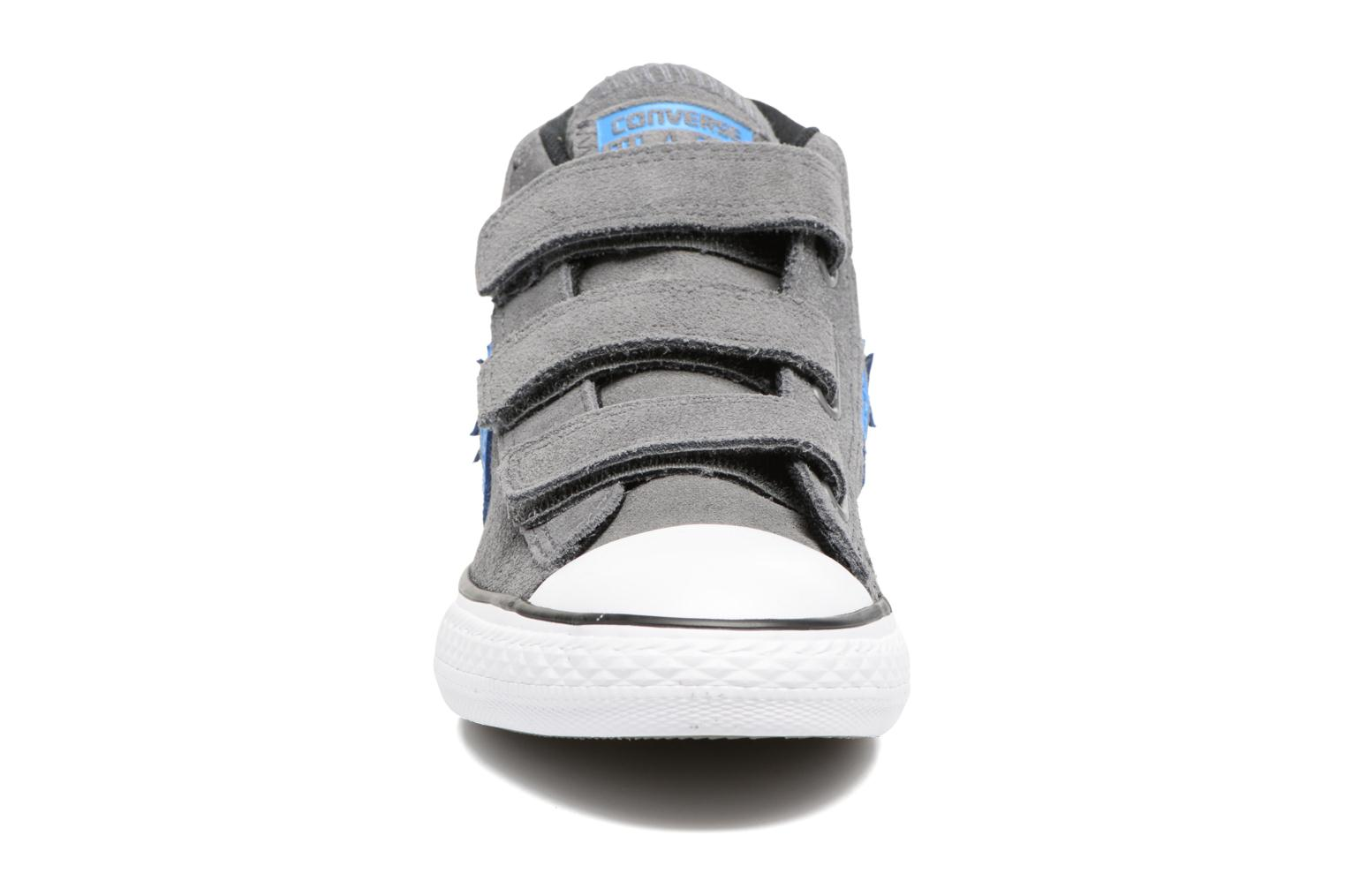 Baskets Converse Star Player EV V Star Player Suede Mid Gris vue portées chaussures