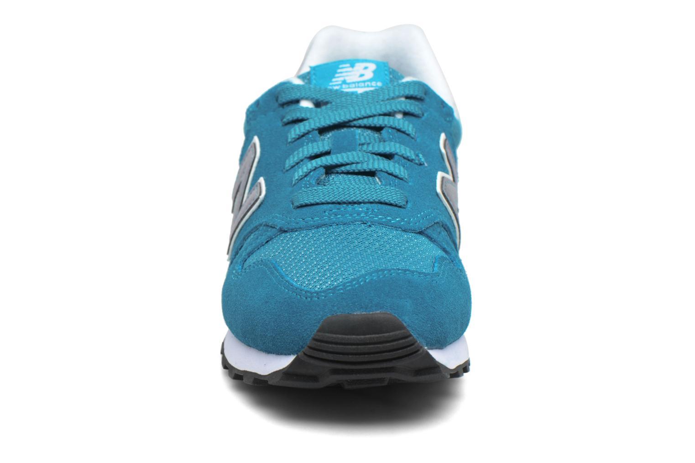 Baskets New Balance WL373 B Bleu vue portées chaussures