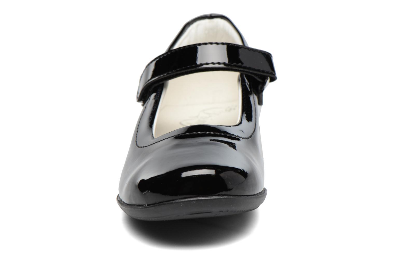 Ballerines Primigi Cressina Noir vue portées chaussures