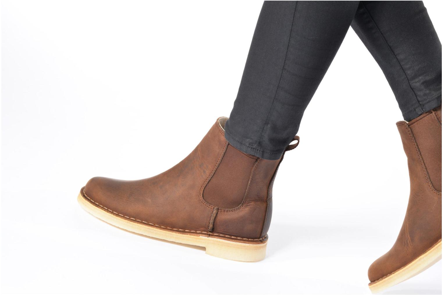 Ankle boots Clarks Originals DESERT PEAK W Brown view from underneath / model view