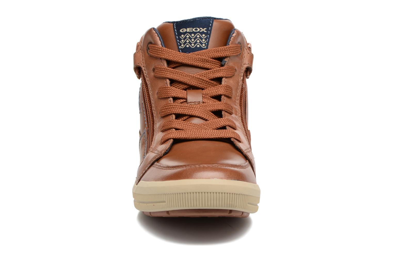 Baskets Geox J Arzach B. F  J744AF Marron vue portées chaussures