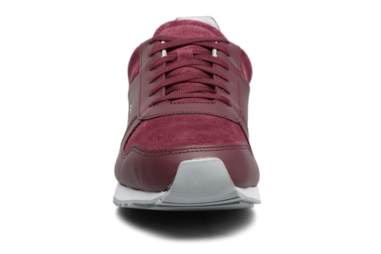 Baskets Lacoste TRAJET 417 3 Bordeaux vue portées chaussures