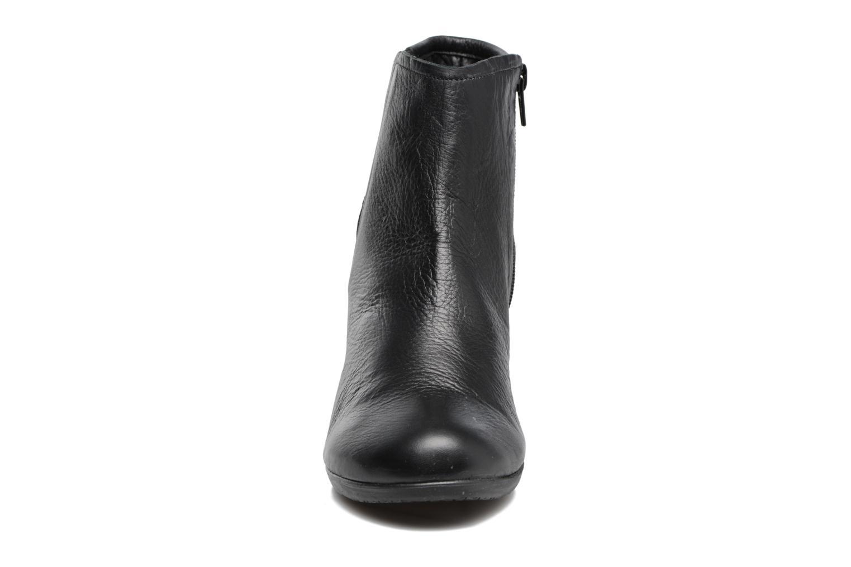 Bottines et boots TBS Kristie Noir vue portées chaussures