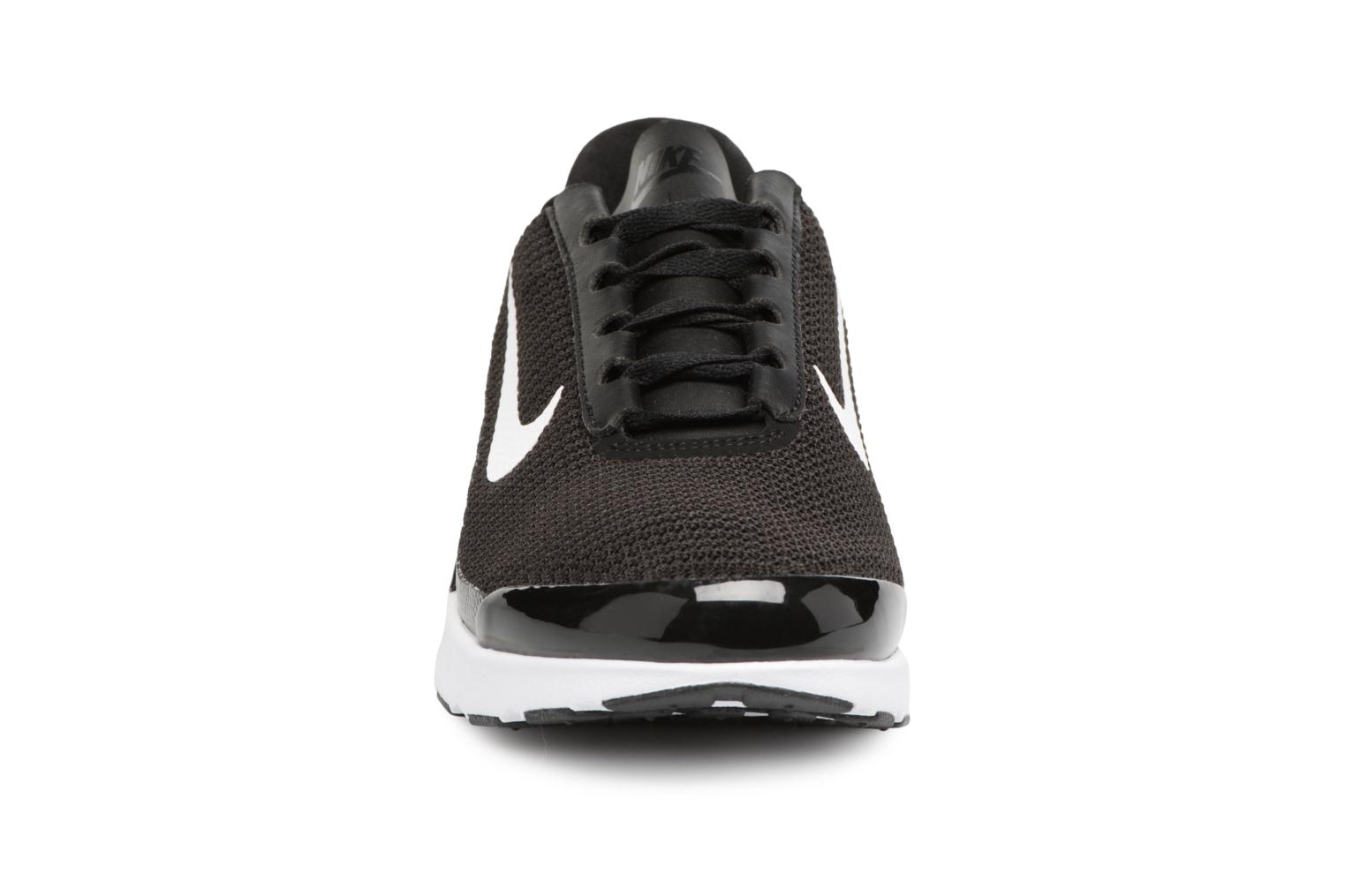 Baskets Nike Wmns Nike Air Max Jewell Noir vue portées chaussures