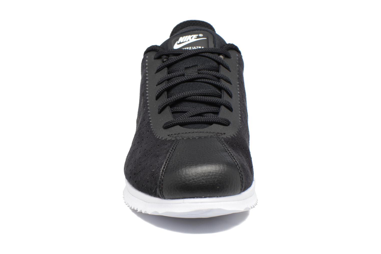 Baskets Nike Nike Cortez Ultra Moire 2 Noir vue portées chaussures