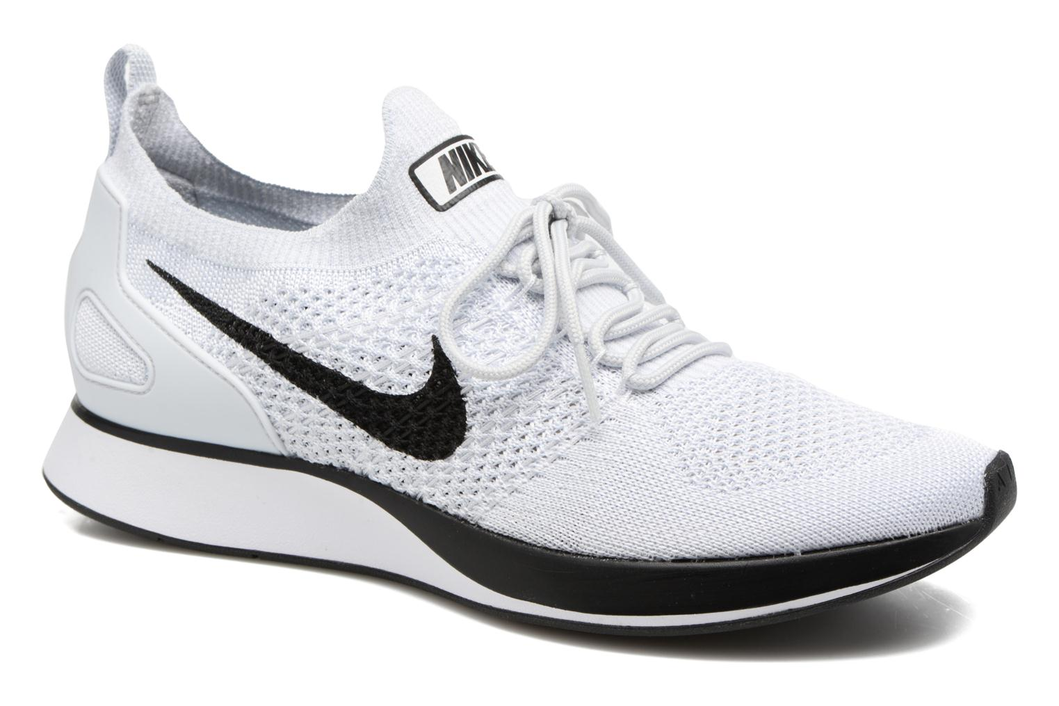 Baskets Nike Air Zoom Mariah Flyknit Racer Blanc vue détail/paire