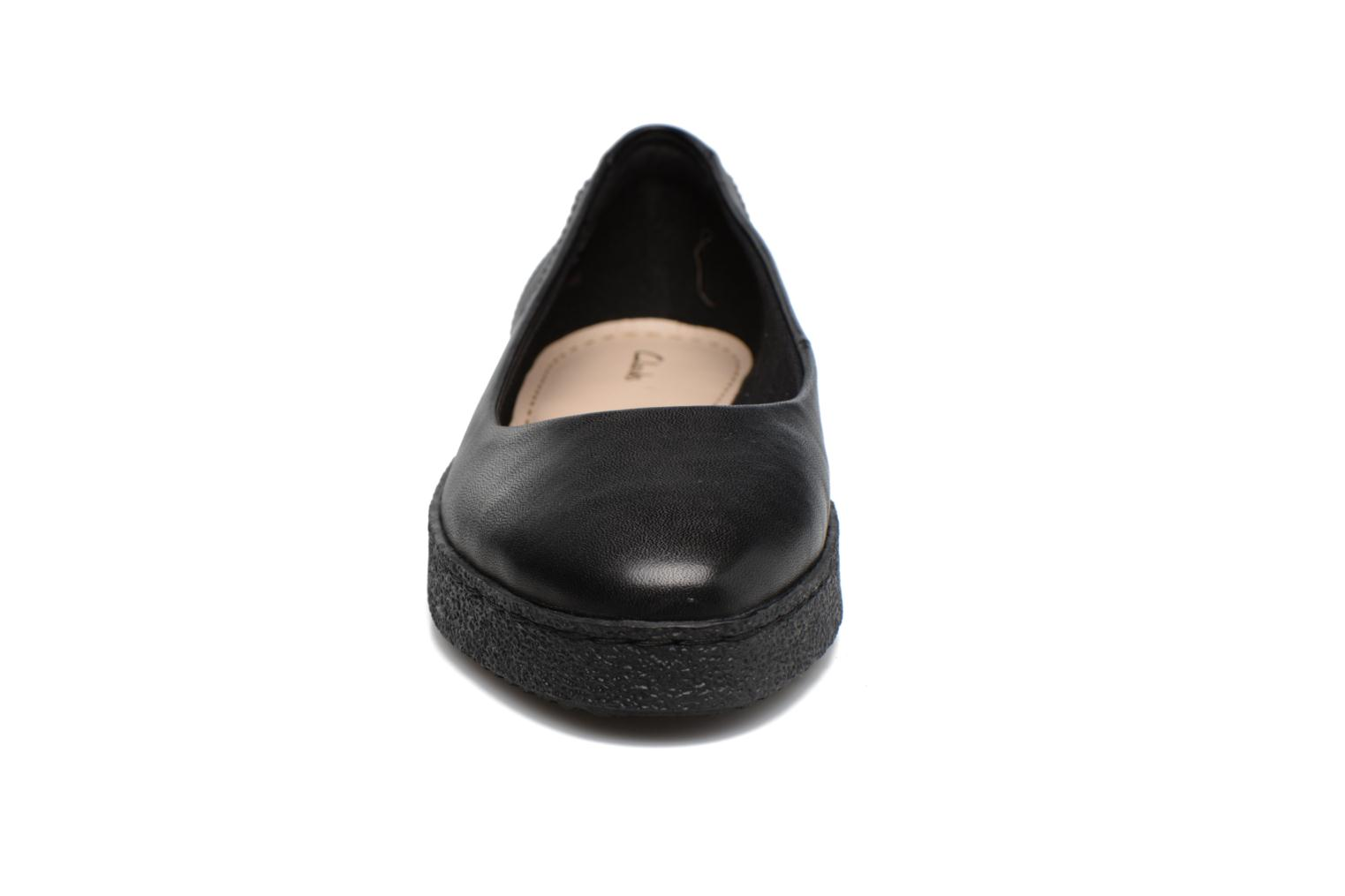 Lillia Petal Black leather