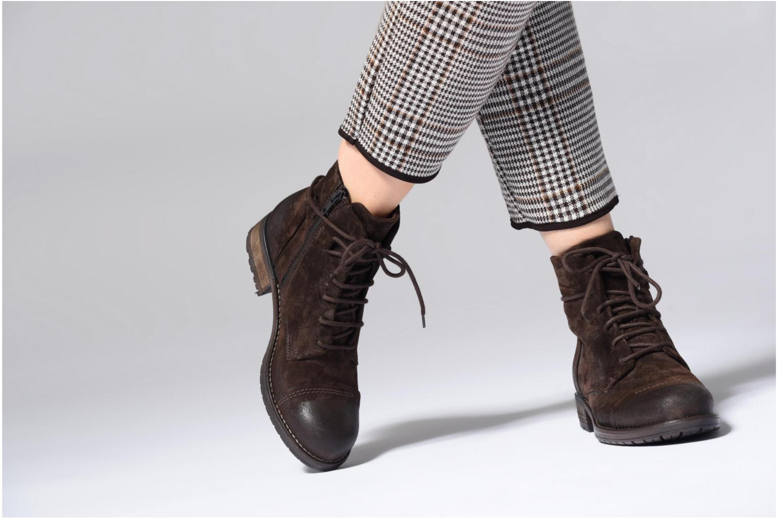 Ankle boots Clarks Adelia Stone Brown view from underneath / model view